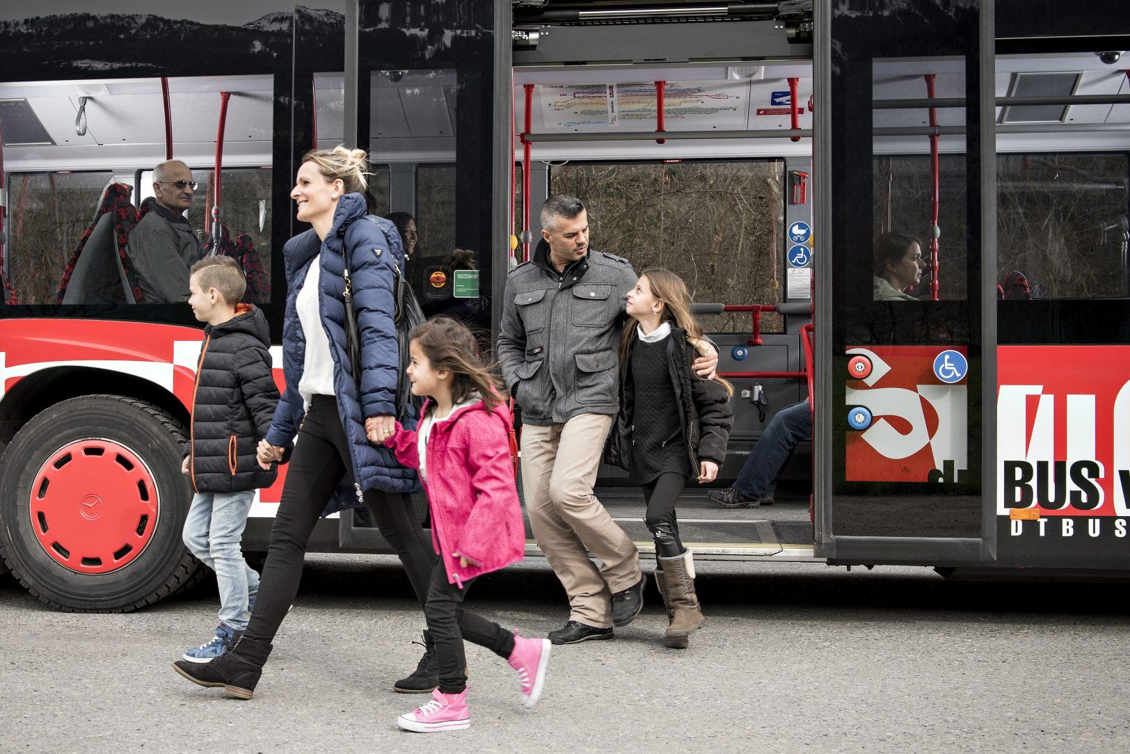 churbus_einstieg-bus