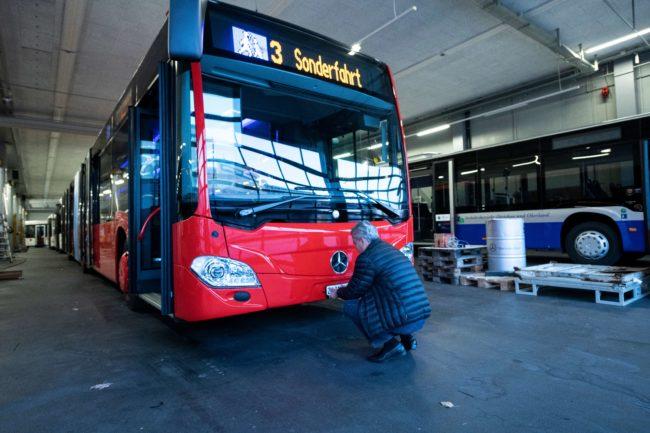 Chur Bus mit ZH-Schilder