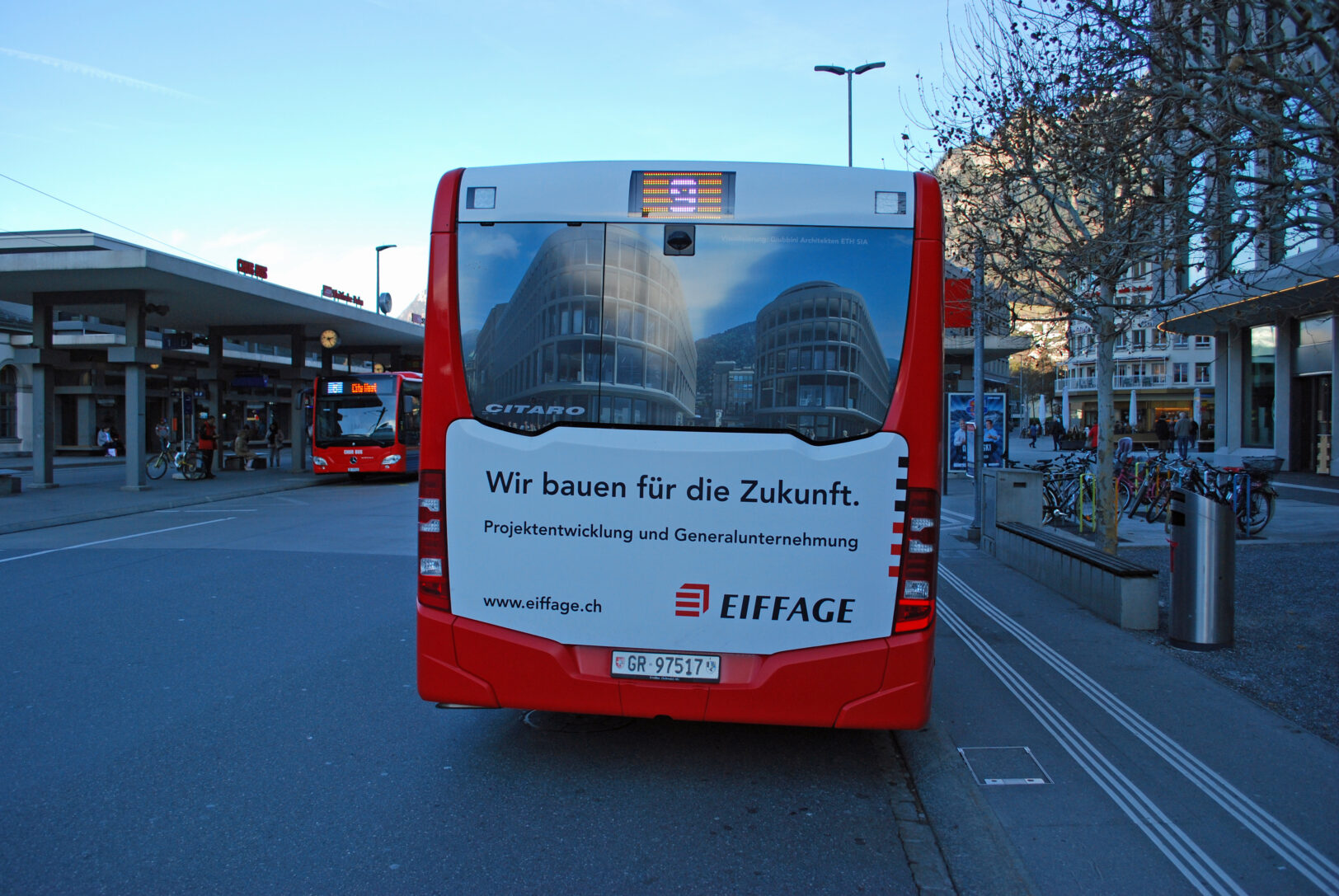 Beschriftung Ganzheck Steinbock Center, Eiffage AG